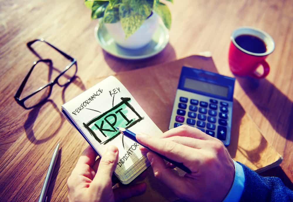 KPI letters in notitieblok